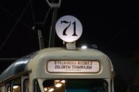 poznańska wiosna z zielonym tramwajem